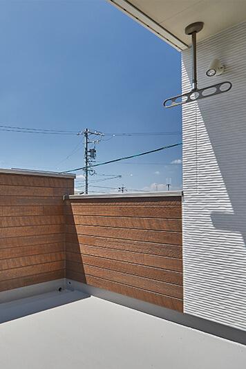 兵庫で中庭とバルコニーのある注文住宅