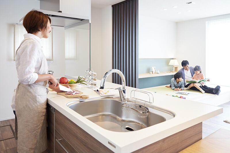 家事を共有し楽しむ住宅の畳スペース