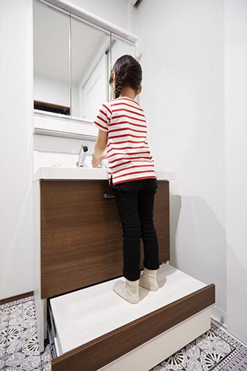 兵庫で安心して子育てできる住宅の手洗いコーナー